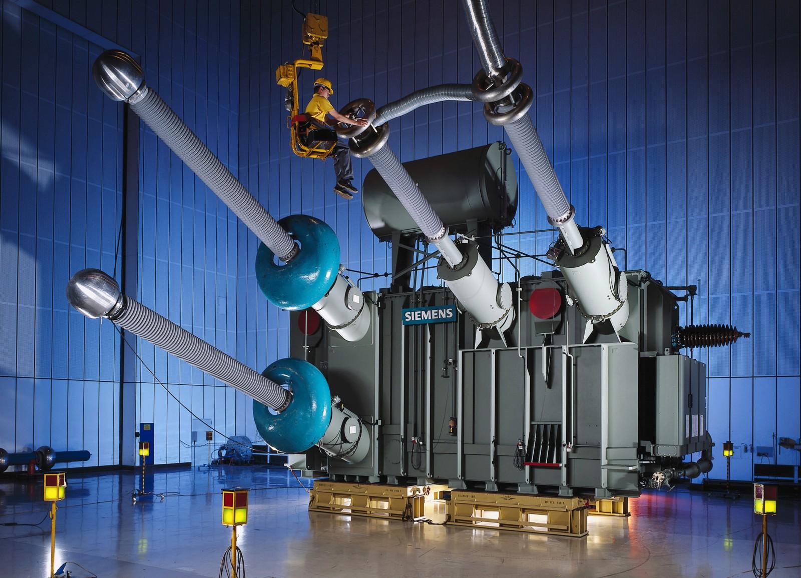 235-MVA-HVDC power transformer for the distance Australia-Tasmania)