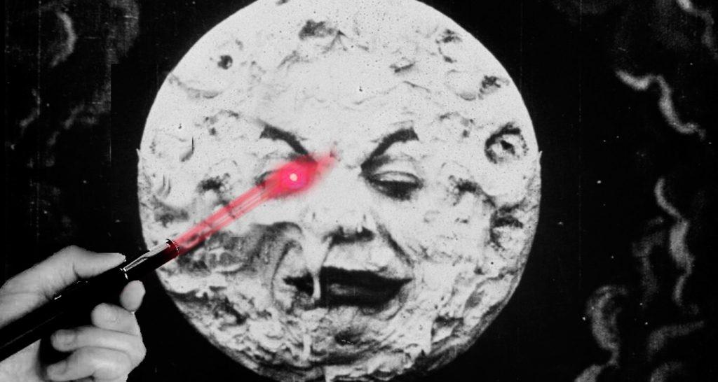 Cuánto tiempo apuntar un láser en la luna y ver el punto