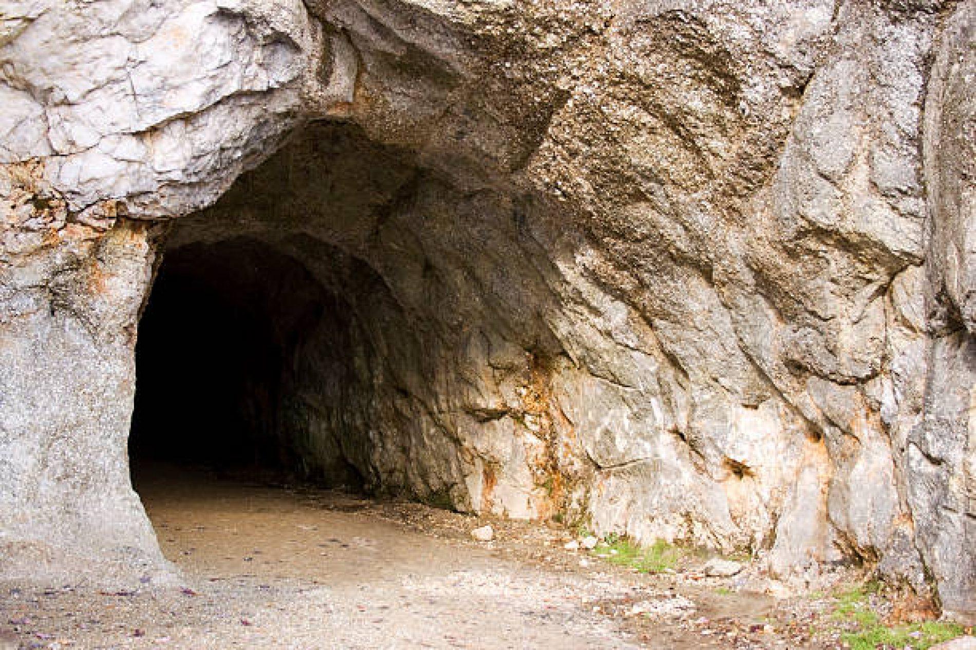 De templarios, MicroPython y rootkits cavernarios